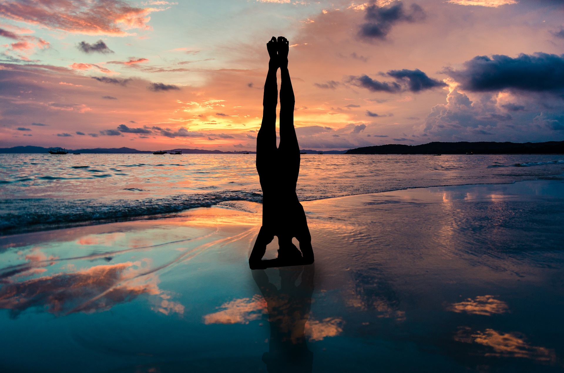 yoga_stand_in_hands_silhouette_2149407.jpg